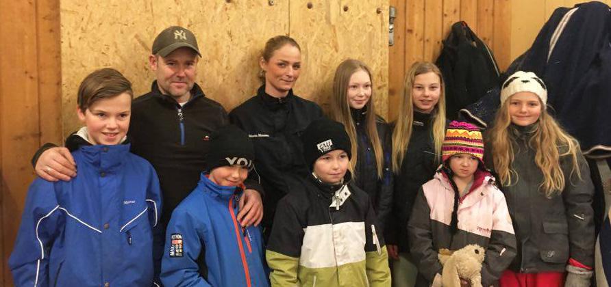 Ponnilisenskurs: Unge kuskespirer på besøk hos Stall Johansen